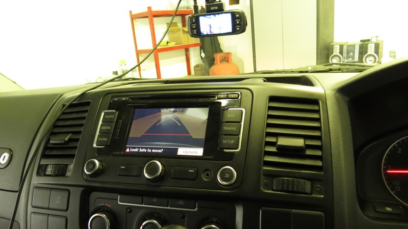 vw-transporter-t5-highline-rear-view-camera-rvc-supply-fit (3)
