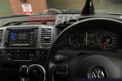 vw-transporter-t5-kenwood-dnx516dabs-install