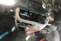 vw-transporter-dashboard assembling copy